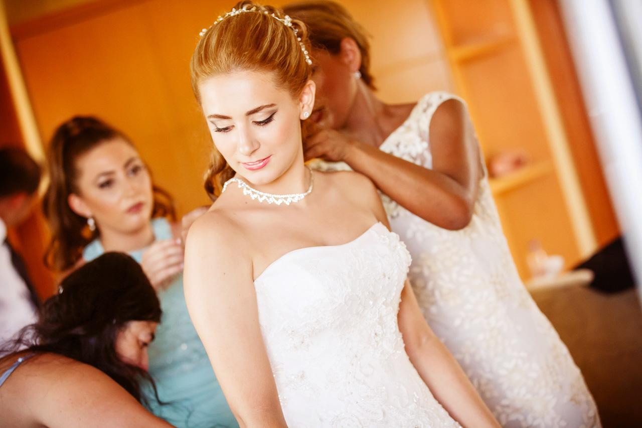 Γάμος μαρτύρων του Ιεχωβά στη Λεπτοκαρυά